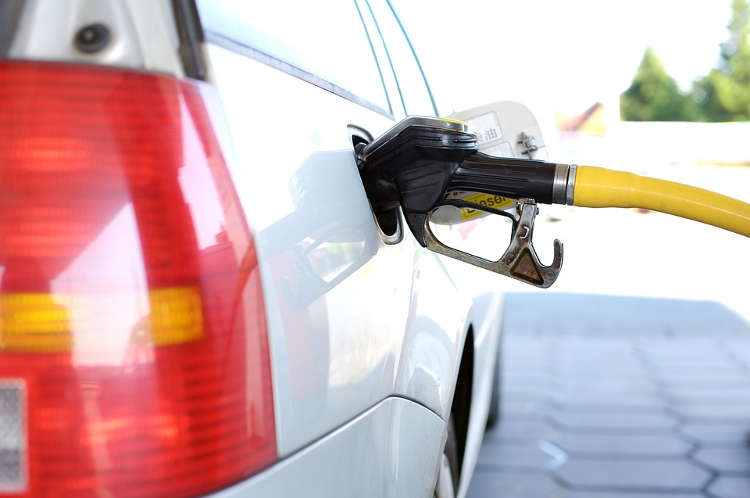 petrol price,federal government, Federal Government Predict Future Increase Of Petrol Price To ₦181 Per Litre, NAIJAPARRY